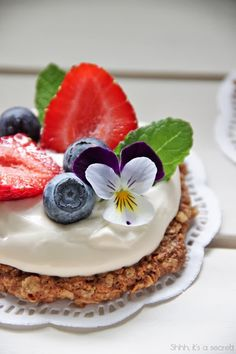 Summer Cakes with Berries & Edible Flowers - Shhh, it's a secret!
