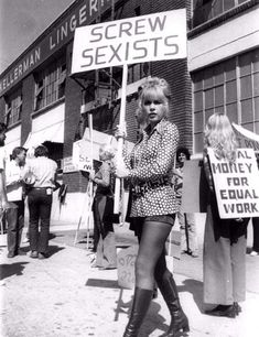 Stella Stevens pickets for women's rights Women Rights, Womens Rights Feminism, Stella Stevens, Protest Signs, Protest Art, Protest Posters, Mode Blog, Riot Grrrl, Intersectional Feminism