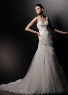 Blue by Enzoani - New, Barbados Style 3703 Tulle Size 6 Wedding Dress For Sale | Still White Australia