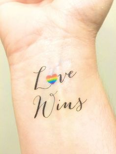 Temporary Tattoo - Love Wins - Love is Love - Gay Wedding Gift - Gay Marriage - LGBT - Gay Couples - Lesbian Wedding - Gay Rights, Paar Tattoos, Neue Tattoos, Body Art Tattoos, Tatoos, Diy Tattoo, Gay Pride Tattoos, Equality Tattoos, Symbole Tattoo, Stolz Tattoo
