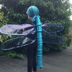 Lots of inspiration, diy & makeup tutorials and all accessories you need to create your own DIY Dragonfly Costume for Halloween. Creative Costumes, Cute Costumes, Cool Halloween Costumes, Halloween 2020, Holidays Halloween, Happy Halloween, Halloween Decorations, Halloween Party, Halloween Forum
