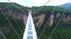 Unikátní skleněný most vČíně museli uzavřít po dvou týdnech