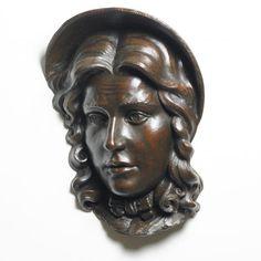 Fue creado por James Matthews, el carcter esta basado en el personaje de la pelicula Oliver Twist (Nancy) es de tamaño real esta hecho de bronce por medio de vaciado. Me gusto este por la forma de como hizo el pelo y las formas que hay en ella incluso el detalle que ha empleado al hacer en los ojos.