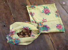 Un sac jaune fleuri en soie, pour courses en vrac http://www.alittlemarket.com/autres-sacs/fr_un_sac_jaune_fleuri_en_soie_pour_courses_en_vrac_-15145157.html