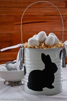 Easter egg hunt basket with bunny silhouette (could also be done with a coffee c. , Easter egg hunt basket with bunny silhouette (could also be done with a coffee can) so much nicer than the boring basket with the long handle! Diy Projects Easter, Easter Crafts, Easter Decor, Easter Table, Easter Party, Hoppy Easter, Easter Eggs, Easter Hunt, Easter Celebration