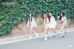 YG Entertainment finally named the new girl group is BLACKPINK. Blackpink Photos, Group Photos, Yg Entertainment, New Girl, South Korean Girls, Korean Girl Groups, Got7, Yg Life, Girls Group Names