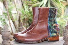 Handmade leather and mayan fabric bootie for women by Andasolo