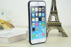 Coque chanel forme d'un vernis à ongle silicone très à la mode pour iPhone 5s 6s 6s plus sur lelinker.fr