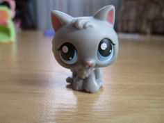 Littlest Pet Shop Lot - a little Grey Kitten