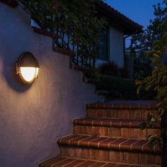 An excellent option for lighting the way outdoors, our  Boom bronze outdoor wall light is weather resistant and its exposure to the elements will create a natural patina over time.   #outdoorlighting #outdoorlights #outdoorwalllights #landscapelighting #exteriorlights #exteriorlighting #outdoordecor #lightingideas #outdoorlightingideas