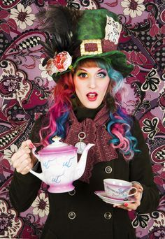 Female Mad Hatter ☮k☮ Mad Hatter Costume Girl, Mad Hatter Costumes, Fall Halloween, Halloween Makeup, Happy Halloween, Halloween Costumes, Halloween 2019, Halloween Ideas, Mad Hatter Tea
