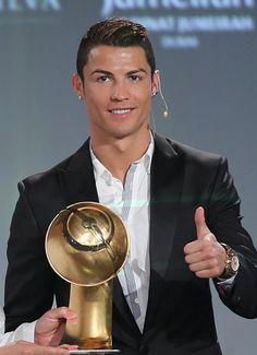 Cristiano Ronaldo ganha prêmio de melhor jogador em evento com agentes - Futebol - UOL Esporte