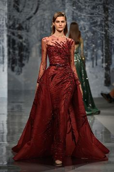 Showcasing his Autumn-Fall couture collection at Paris Fashion Week, Ziad Nakad has some of the most gorgeous dresses we've ever seen Vestidos Fashion, Fashion Dresses, Evening Dresses, Prom Dresses, Formal Dresses, Formal Prom, Beaded Dresses, Sequin Dress, Formal Wear