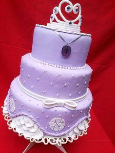 Bolo cenográfico Princesa Sofia Princess Sofia Birthday, Birthday Cake Girls, Crazy Cakes, Fancy Cakes, Bolo Sofia, Cupcakes Princesas, Sophia Cake, Princes Sofia, Sofia The First Cake