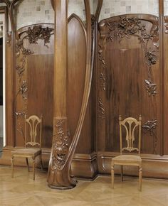 Henry van de Velde (1863-1957) was a Belgian architect and designer. From 1890, inspired by the Arts & Crafts movement, he designed Jugendstil furniture and objects. His interiors were used by key Parisian outlets Maison de L'Art Nouveau (Bing) and La Maison Moderne (Julius Meier-Graefe). A significant period of van de Velde's working life was spent in Germany. He established the school of arts and crafts in Weimar in 1905, which later became the Bauhaus.