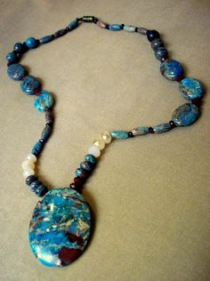 Mosaic Jasper Pendant Necklace...  I like the color coordination here.