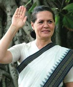 White saree by Sonia gandhi