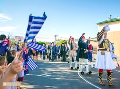 Evzones bring smiles & admiration to students in Melbourne – GreekCitytimes