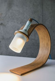 QUERCUS Stylish Sustainable desk lamp by Max Ashford is part of Desk lamp design - industrial designer Max Ashford designed a sustainable stylish and functional desk lamp called Quercus out of reclaimed wood and a wine bottle