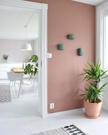 The most beautiful interiors with Dusty Pink walls. - Home Decor Ideas Wall Colors, House Colors, Living Room Decor, Bedroom Decor, Bedroom Shelves, Warm Bedroom, Dining Room, White Bedroom, Earthy Home Decor
