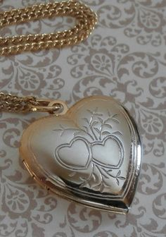 Vintage Sweetheart Locket Necklace by StarliteVintageGems ~ #Vintage #Jewelry #VintageJewelry #Fashion #Style #Beauty #VintageLocket #Heart #LOVE #Sweetheart #Etsy