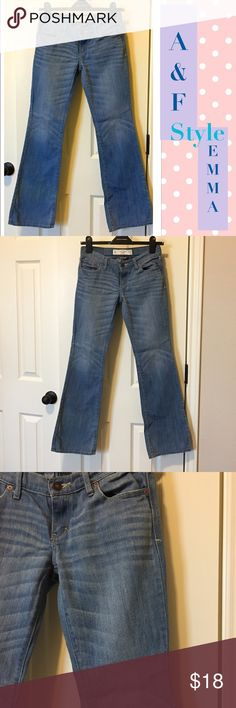 ❄️NWOT ☃️A&F, EMMA Boot, Size 00S, 24x31 ❄️ ☃️ NWOT, never Worn or Washed, A&F Jeans Emma Style, Boot Cut, size: 00 SHORT, med Blue wash, Got q's I'm here! ☃️ ⚡️⚡️PRICE FIRM⚡️⚡️ Abercrombie & Fitch Jeans Boot Cut