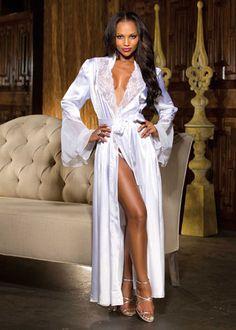 elegant en sexy satijnen robe met kant en chiffon bij inGlamour