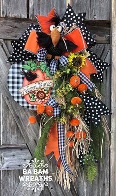 Fall Wreath, Fall Decor, Autumn Wreath, Halloween Wreath, Primitive Wreath - New Sites Thanksgiving Wreaths, Autumn Wreaths, Wreath Fall, Diy Wreath, Thanksgiving Decorations, Holiday Wreaths, Fall Decorations, Wreath Ideas, Wreath Making