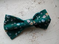 Check out this item in my Etsy shop https://www.etsy.com/listing/469646489/emerald-bow-tie-virid-floral-bowtie