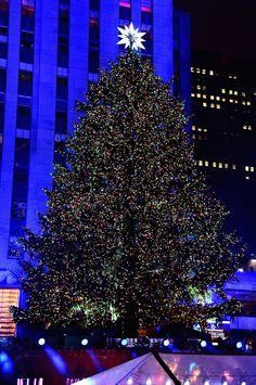 Rockefeller Center Christmas Tree Lighting 2015 & NYC events in December 2017   Events and Rockefeller center azcodes.com