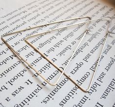 Triangle Hoop boucles d oreilles Boucles par NadinArtDesign Boucle D oreille,  Boucles, afd25e9d5ee