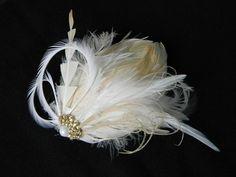 Casquete de criação exclusiva do Ateliê com penas e plumas importadas. Lindíssimo para noivas modernas e de cabelos curtos R$105,00