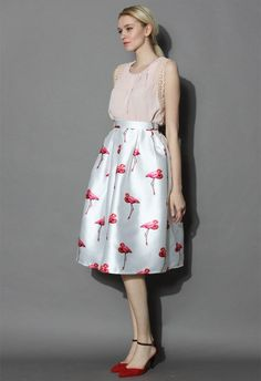Your heart flutters when you first look at the print of this frock, and you just can't help but seek every opportunity to flaunt this midi! The gathered waist with box pleats, a puffy large hemline, and bold scarlet flamingos grace this woven ivory bottom, completing a fly and fanciful look posthaste.  - Back zip closure - Lined - Pleated a-line silhouette - 100% Polyester - Machine washable  Size(cm) Length Waist XS        72    64 S         72    68 M     ...