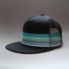 UZE - Casquette Snapback brodée main Collection d'été, juin 2014 - Hand-embroidered Snapback cap Summer collection, june 2014