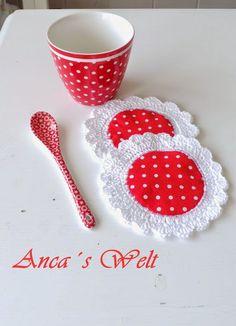 Anca's world: Greengate, jam, and . Diy Crochet Flowers, Crochet Diy, Crochet Quilt, Crochet Cushions, Crochet Home, Crochet Motif, Vintage Crochet, Crochet Doilies, Crochet Patterns
