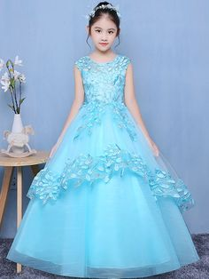 We've this weather newest event long dresses, heels and add-ons. Kids Party Wear Dresses, Baby Girl Party Dresses, Dresses Kids Girl, Baby Dress, Flower Girl Dresses, Dress Girl, Long Dresses, Girls Frock Design, Kids Frocks Design