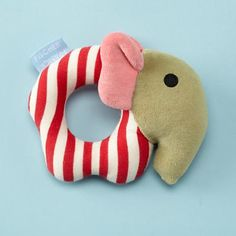 Check out unique baby and kids toys your child is sure to love. Whether you need teethers and rattles for your new baby or playhouses and puzzles for growing kids, we've got just the thing to put a smile on their faces. Baby Toys, Newborn Toys, Kids Toys, Diy Baby Gifts, Baby Crafts, Baby Shower Gifts, Sewing Toys, Baby Sewing, Sewing Projects