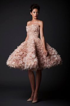 KRIKOR JABOTIAN 2015 | AMAL Generally not a fan of the high-low look, but this dress is gorgeous!