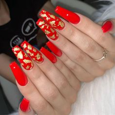 Popular Coffin Nails Designs Of Red Long Acrylic Coffin Nails; Red Nail Designs, Acrylic Nail Designs, Gorgeous Nails, Pretty Nails, Cute Red Nails, Red And Gold Nails, Long Red Nails, Gel Nail Removal, Gold Acrylic Nails