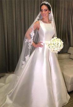Wedding Veil, Wedding Gowns, Gown Skirt, Veil Hairstyles, Dress Cuts, One Shoulder Wedding Dress, Satin, Bride, Female