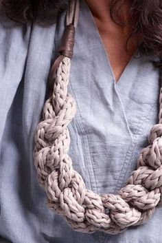 Handmade by German designer Anette, from recycled fabric yarn and leather. At last - a use for finger knitting. Finger Knitting, Arm Knitting, Textile Jewelry, Fabric Jewelry, Jewelry Knots, Jewelry Crafts, Jewellery, Yarn Necklace, Crochet Necklace