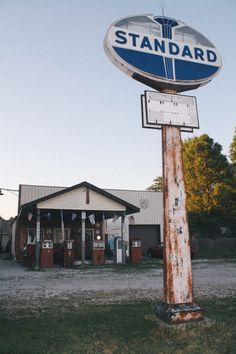 Henry's Rabbit Ranch (Staunton, Illinois) #route66 but I don't see any rabbits, it's a gas station. DOH!
