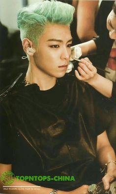 TOP (Choi Seung Hyun)-- sometimes i kinnda forget how beautiful he really is. and then i find pics like this. Daesung, Vip Bigbang, Sung Hyun, Sung Lee, Kim Hyun, Yg Entertainment, Btob, K Pop, Kyungsoo