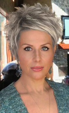 Best Picture For short grey hair shag For Your Taste You are looking for something, and it is going Funky Short Hair, Edgy Hair, Short Hair With Layers, Short Wavy, Color For Short Hair, Medium Hair Styles, Curly Hair Styles, Pixie Haircut Styles, Messy Pixie Haircut