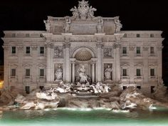 We are blown away by this fairytale fashion show in Rome's Trevi Fountain…