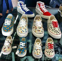Vans x Disney - Summer 2013 - Sneakers. Lit Shoes, Skate Shoes, Vans Shoes, Vans Sneakers, Disney Vans, Disney Shoes, Disney Inspired Outfits, Disney Outfits, Disney Fashion