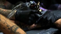 Check out this short film by tattoo artist GueT, showing a tattoo machine in painfully slow-motion, and all your questions about how a tattoo is done will be answered. Cool Chest Tattoos, Cool Tattoos For Guys, Great Tattoos, New York Tattoo Shops, Best Tattoo Shops, Cali, Tattoo Parlors, Cover Up Tattoos, Custom Tattoo