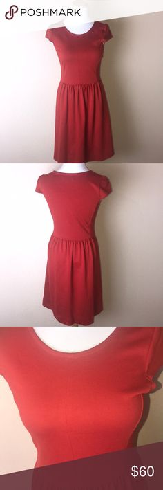 Madewell Red Fit n Flare Dress SO cute and on trend. Red dress, fit n Flare. Zips on the side. Size is xs. Gently used. No trades! Madewell Dresses