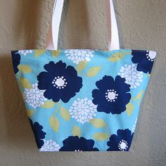 Pillowcase Tote Bag tutorial - starts with a zippered pillowcase so not a lot of sewing