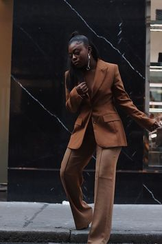 Mode Outfits, Fashion Outfits, Fashion Fashion, Mode Kylie Jenner, Monochrome Outfit, Monochrome Fashion, Grace Jones, Brown Outfit, Black Girl Aesthetic
